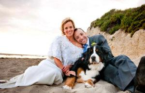 Wedding couple on beach with doggy 799 by 514